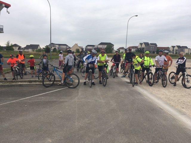 La balade à vélo 2018, une halte au marché de l'Ogive
