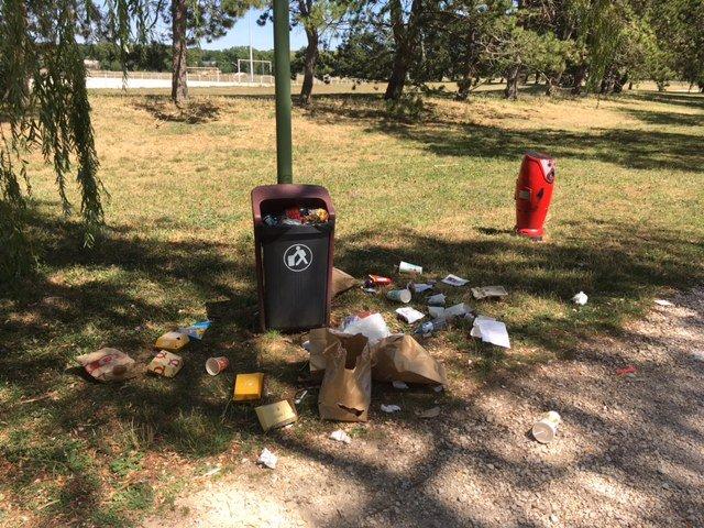 Le poubelles font le plein, une déchetterie à ciel ouvert