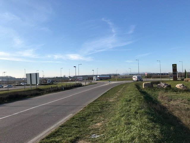 Les Terres Rousses à Chevigny, pas de transport en commun pour atterrir dans la zone
