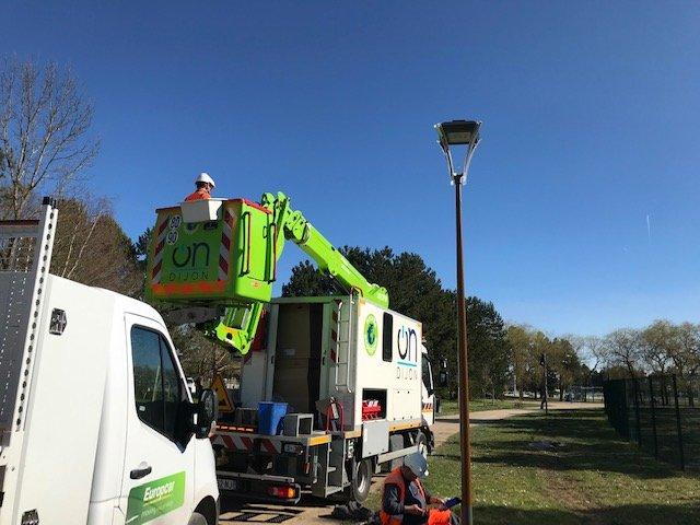 En exclusivité voici les nouveaux lampadaires du parc de la Saussaie