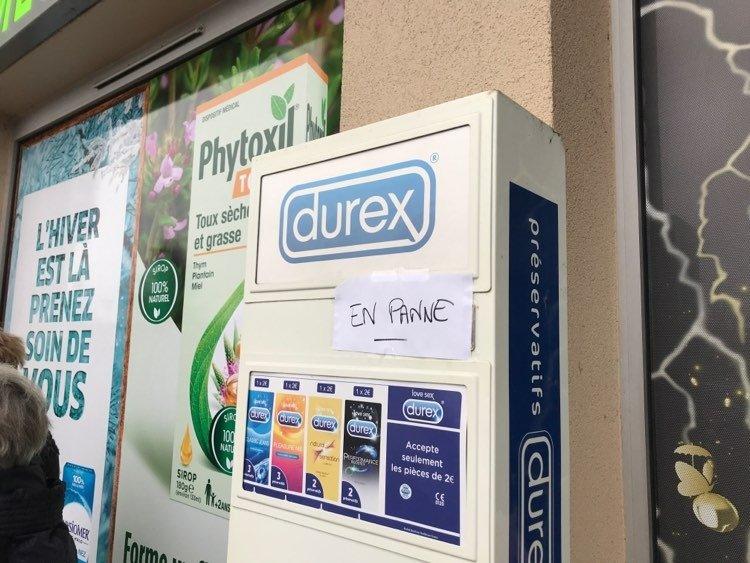 Le distributeur de préservatifs en panne sèche